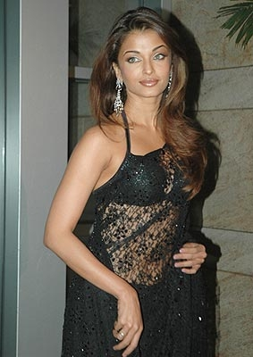 Aishwarya Rai Latest Romance Hairstyles, Long Hairstyle 2013, Hairstyle 2013, New Long Hairstyle 2013, Celebrity Long Romance Hairstyles 2245